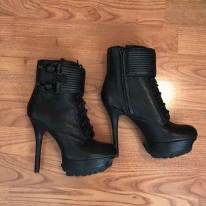 Same Edelman Black Leather Ankle Bootie Heels